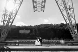 Day after mariage seance de couple apreès le mariage, ici à confluence Lyon